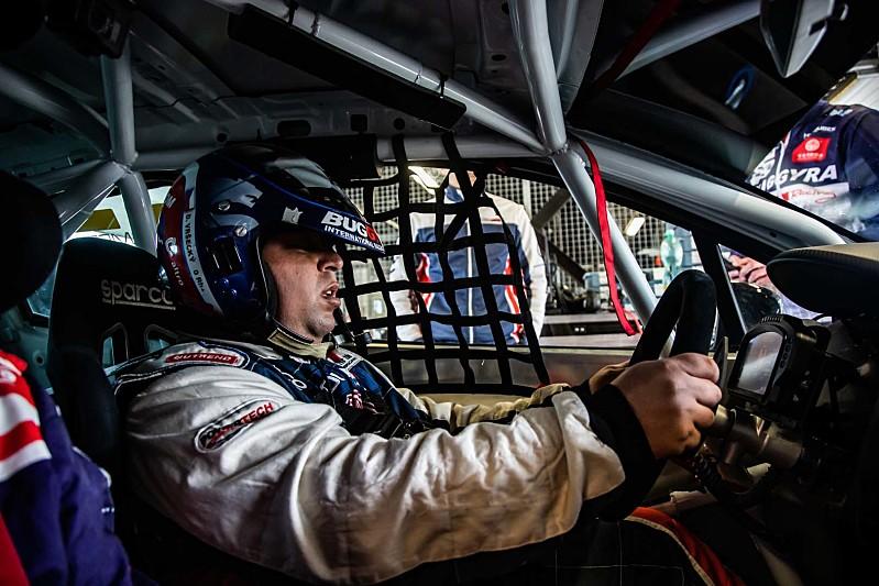 Petr za volantem v Moste